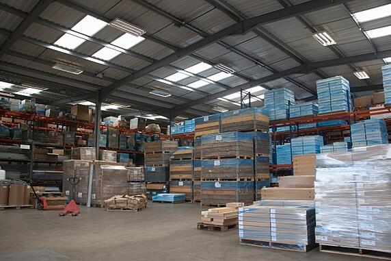 4_Signs_You_Need_To_Invest_In_a_New_Distribution_Warehouse_Layout.jpg